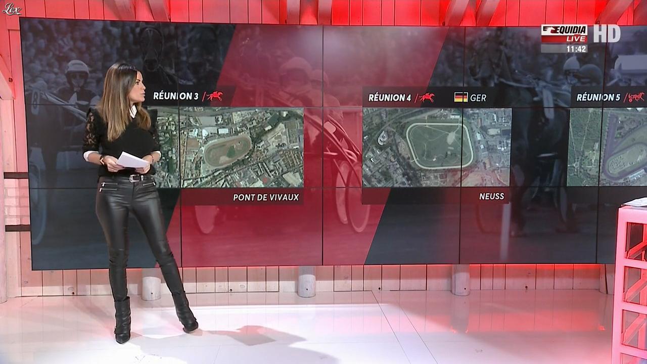 Amélie Bitoun dans un Jour aux Courses. Diffusé à la télévision le 24/10/17.