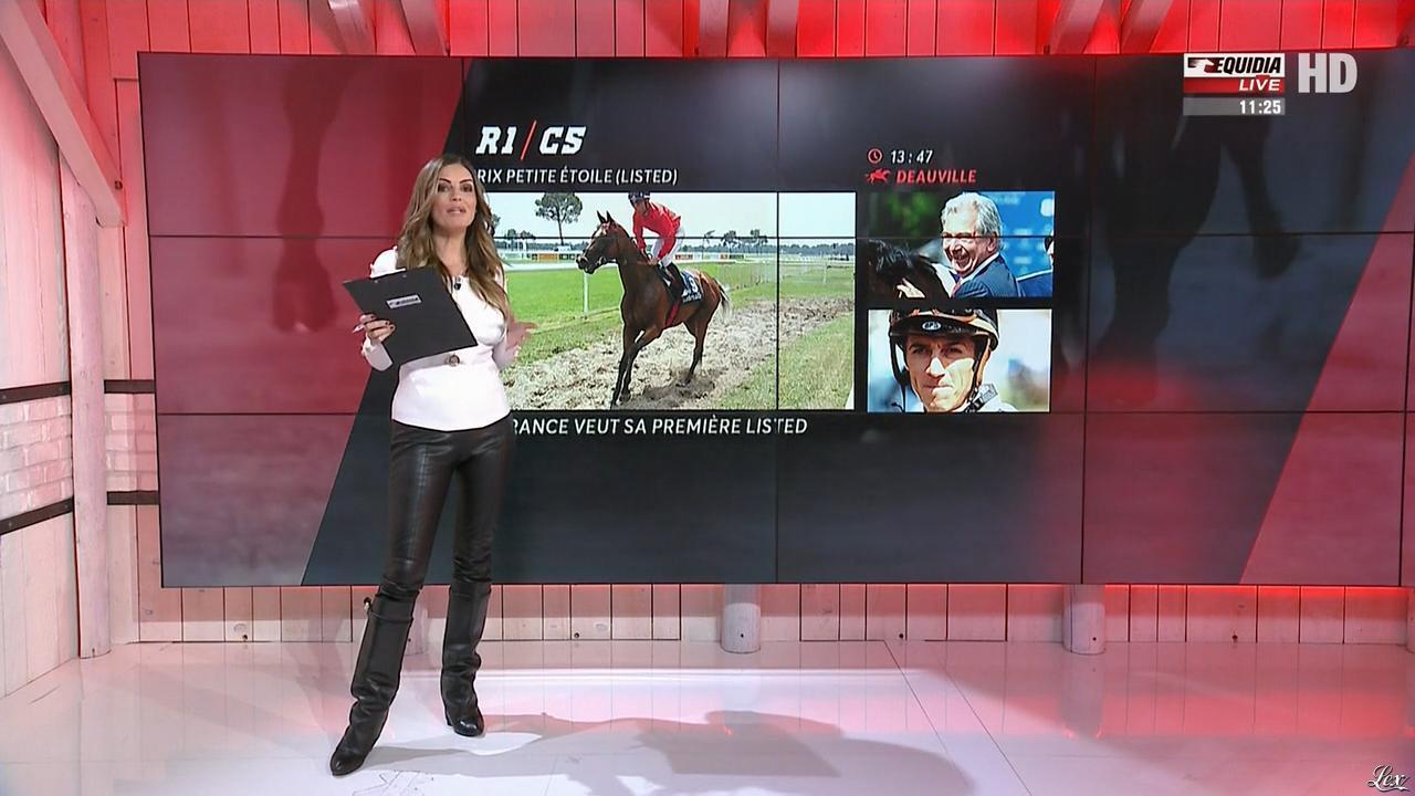 Amélie Bitoun dans un Jour aux Courses. Diffusé à la télévision le 28/11/17.