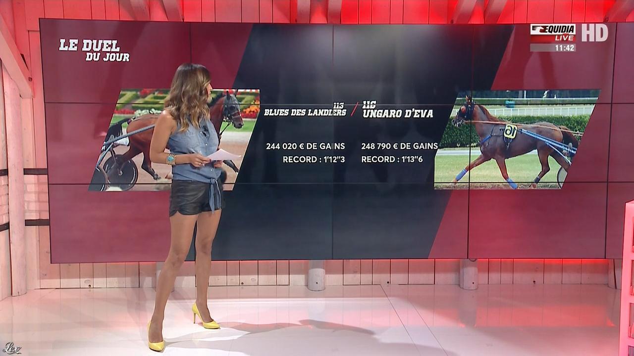 Amélie Bitoun dans un Jour aux Courses. Diffusé à la télévision le 29/08/17.