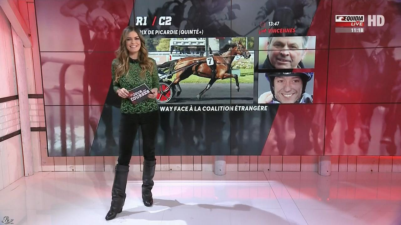 Amélie Bitoun dans un Jour aux Courses. Diffusé à la télévision le 29/11/17.