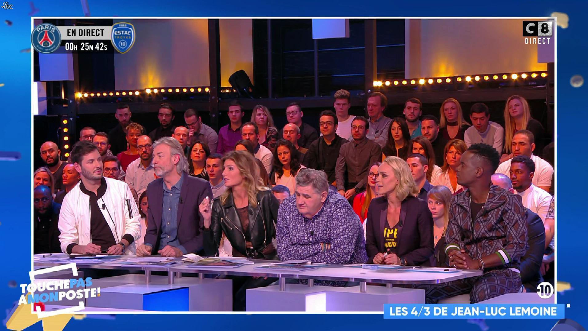 Caroline Ithurbide dans Touche pas à mon Poste. Diffusé à la télévision le 29/11/17.