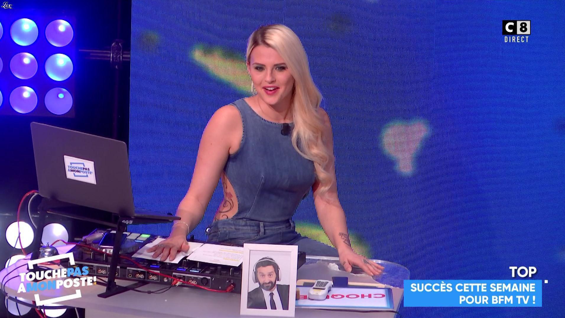 Kelly Vedovelli dans Touche pas à mon Poste. Diffusé à la télévision le 02/02/18.
