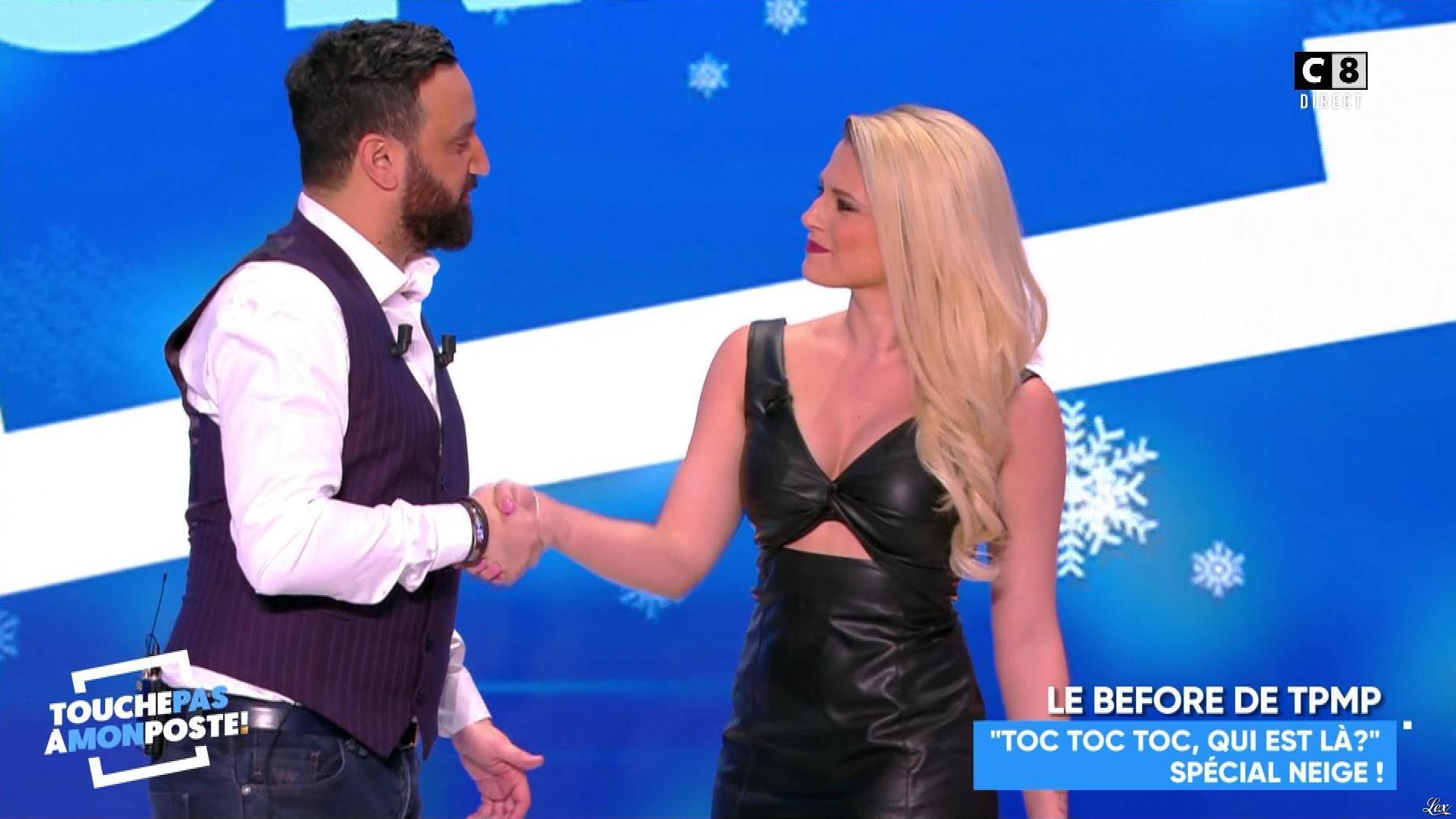 Kelly Vedovelli dans Touche pas à mon Poste. Diffusé à la télévision le 09/02/18.