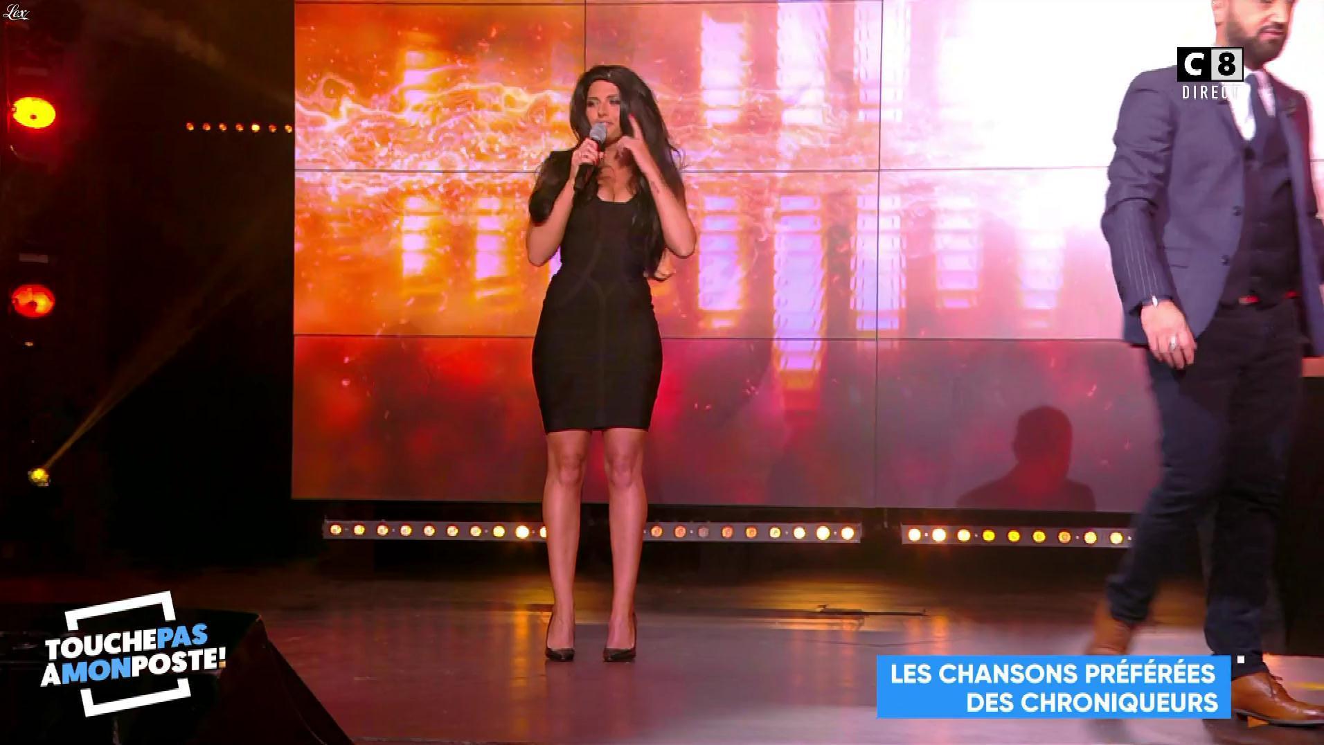 Kelly Vedovelli dans Touche pas à mon Poste. Diffusé à la télévision le 14/11/17.