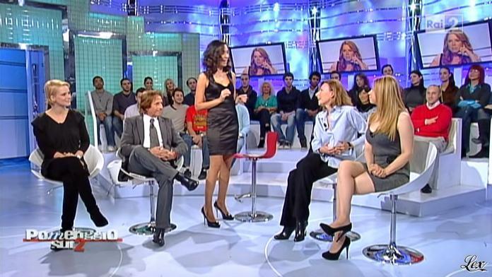Caterina Ballivo dans Pomeriggio Sul Due. Diffusé à la télévision le 12/11/10.