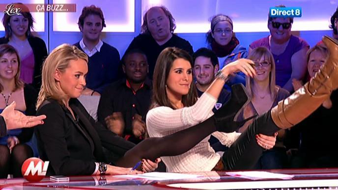 Cécile De Menibus et Karine Ferri chez Morandini. Diffusé à la télévision le 16/12/11.