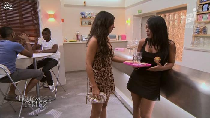 Ayem et Laura Coll dans Hollywood Girls. Diffusé à la télévision le 11/09/12.