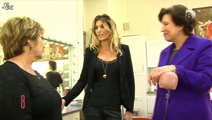 Caroline Ithurbide dans le Grand 8. Diffusé à la télévision le 26/11/12.