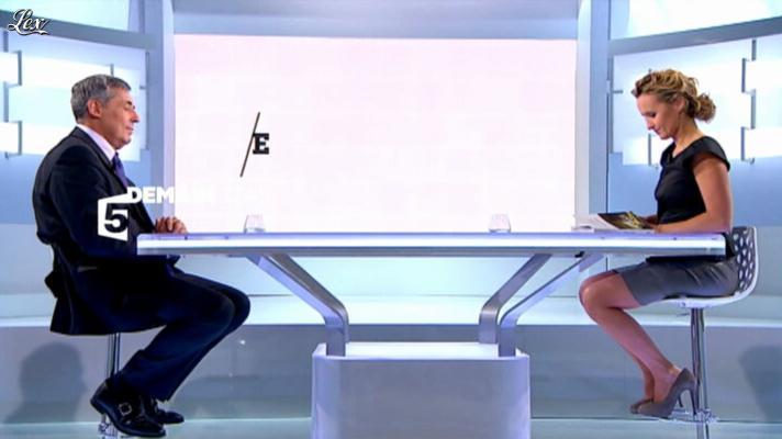 Caroline Roux dans une Bande-Annonce de C Politique. Diffusé à la télévision le 13/10/12.