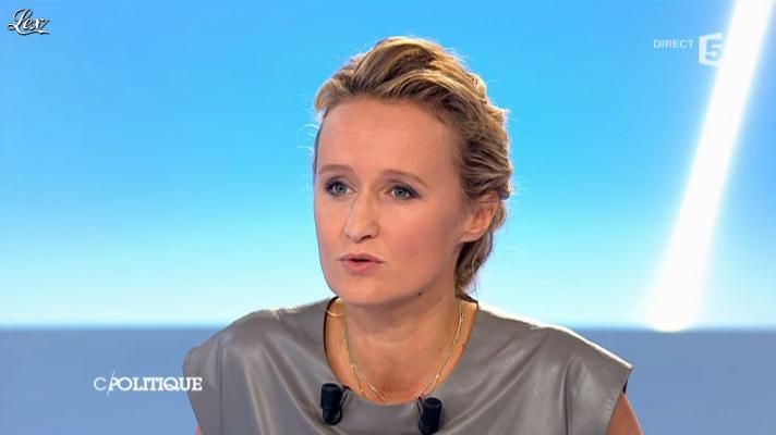 Caroline Roux dans C Politique. Diffusé à la télévision le 09/09/12.