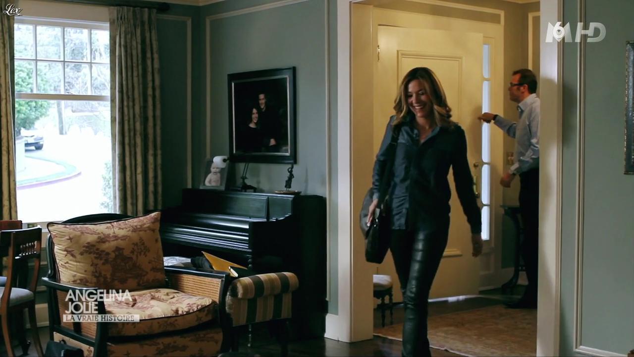 Claire Barsacq dans la Vraie Histoire de Angelina Jolie. Diffusé à la télévision le 01/08/12.