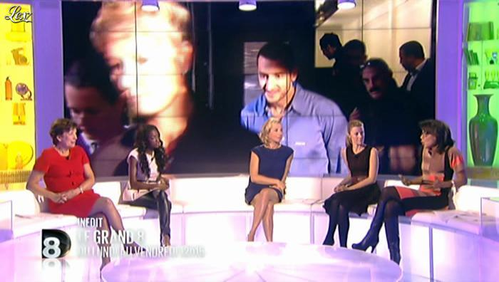 Hapsatou Sy et Laurence Ferrari dans Annonce Grand 8. Diffusé à la télévision le 17/10/12.