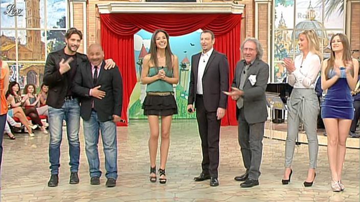 Laura Barriales et Arianna Rendina dans Mezzogiorno in Famiglia. Diffusé à la télévision le 01/04/12.