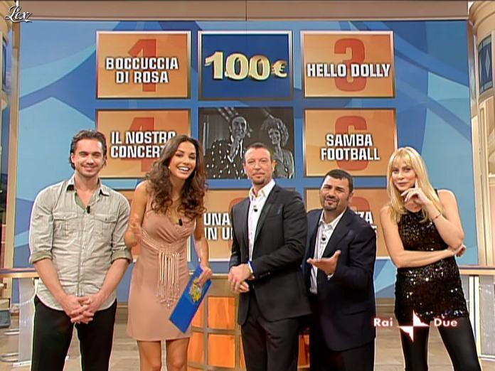 Laura Barriales et Stefania Orlando dans Mezzogiorno in Famiglia. Diffusé à la télévision le 21/11/09.