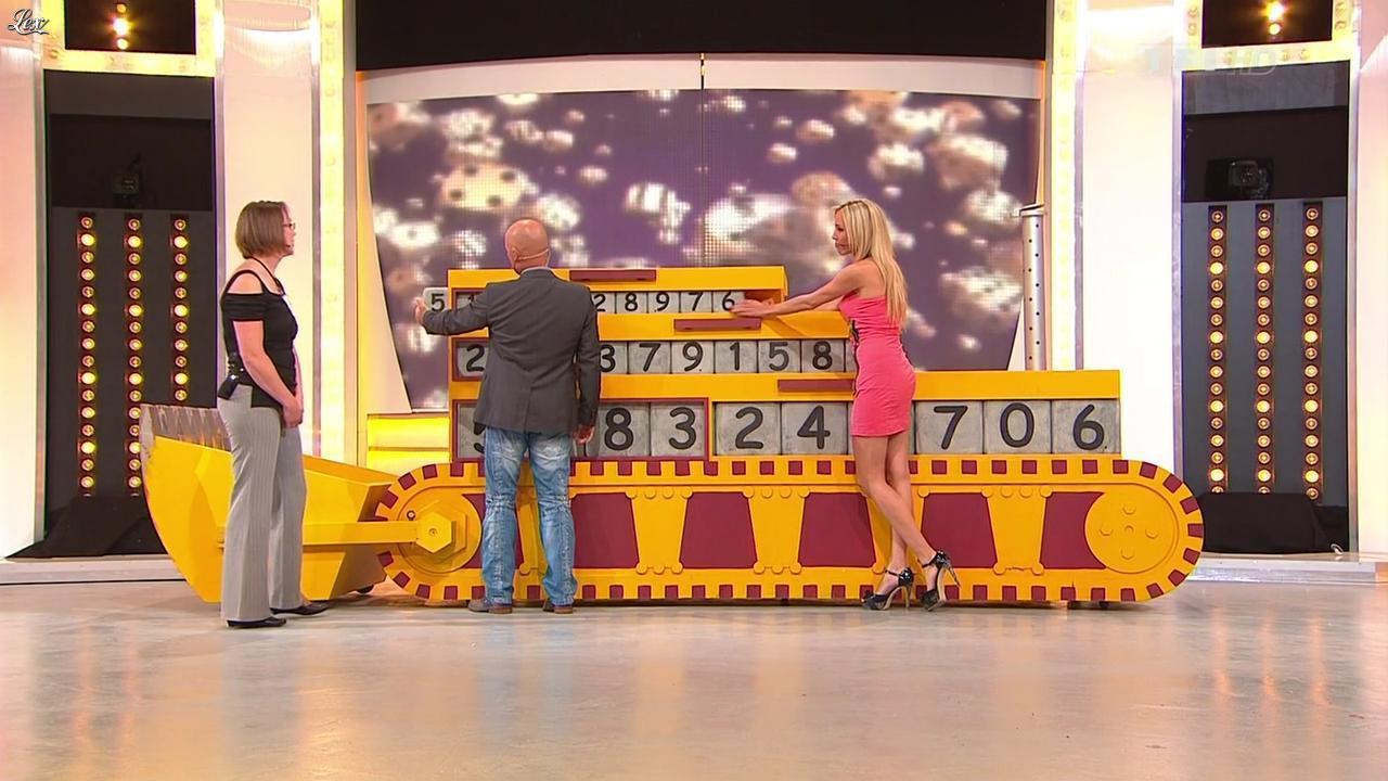 Nadia Aydanne dans le Juste Prix. Diffusé à la télévision le 17/10/12.