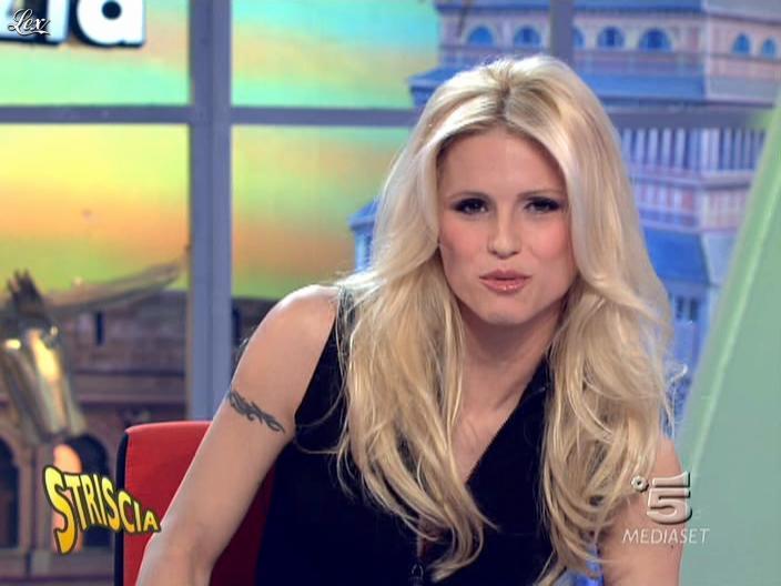 Michelle Hunziker dans Striscia la Notizia. Diffusé à la télévision le 02/03/10.