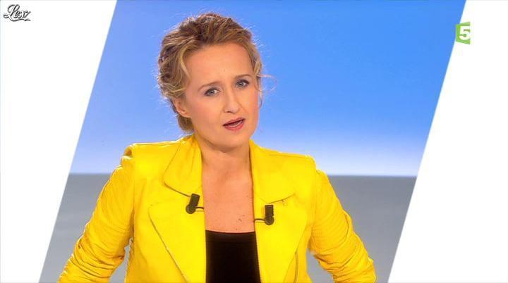 Caroline Roux dans C Politique. Diffusé à la télévision le 03/03/13.
