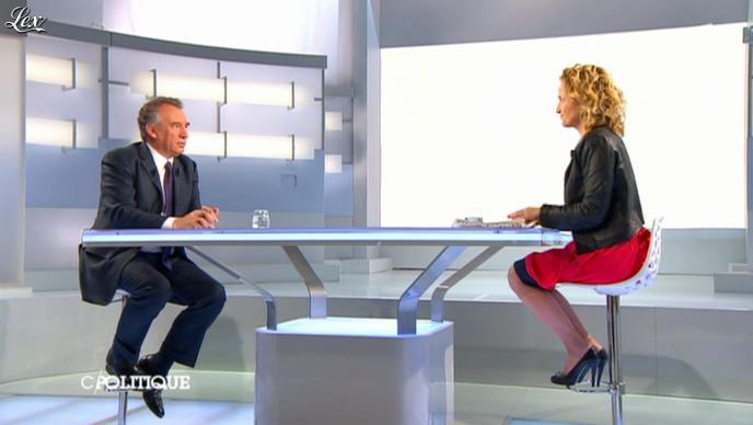 Caroline Roux dans C Politique. Diffusé à la télévision le 28/04/13.