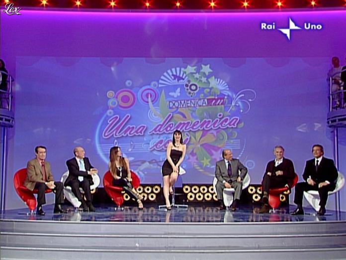Alba Parietti et Lorena Bianchetti dans DomeniÇa in. Diffusé à la télévision le 01/03/09.