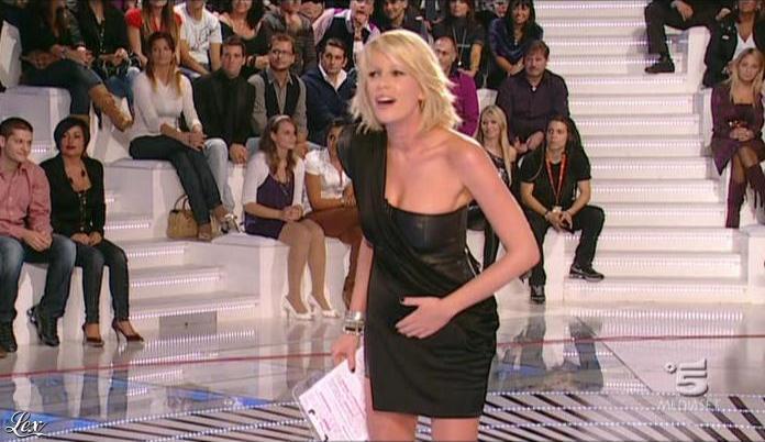 Alessia Marcuzzi dans Grande Fratello. Diffusé à la télévision le 26/10/09.