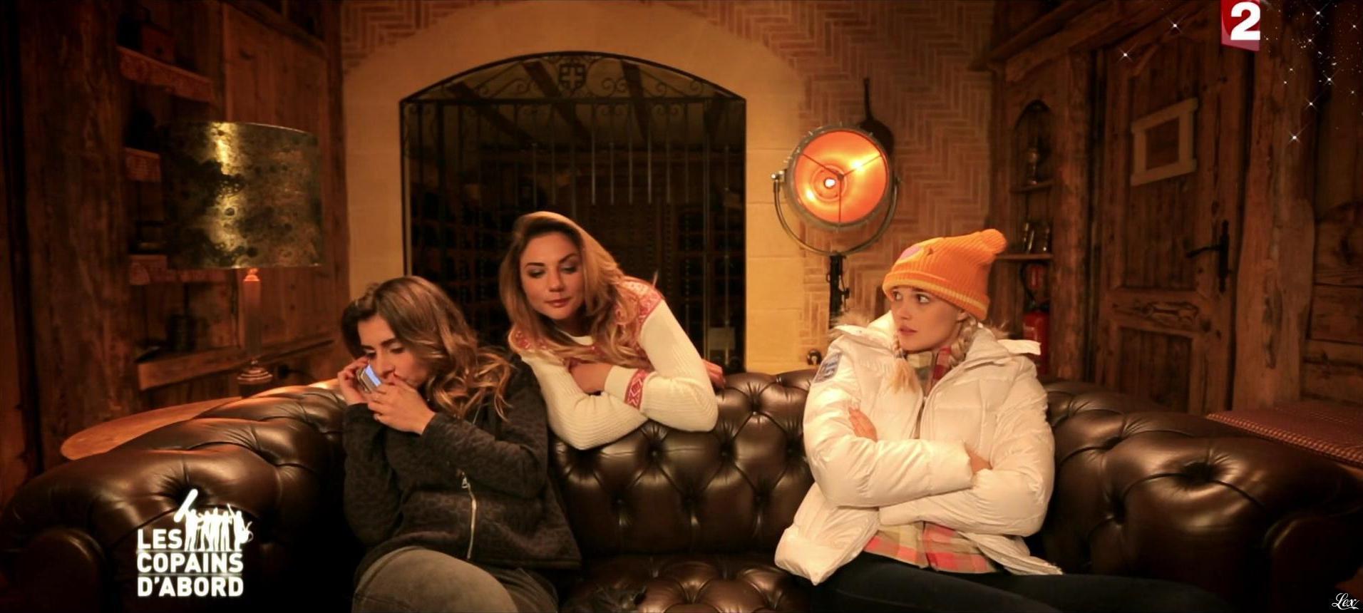 Camille Lou, Julie Zenatti et Ariane Brodier dans les Copains d'Abord Font du Ski. Diffusé à la télévision le 25/12/14.