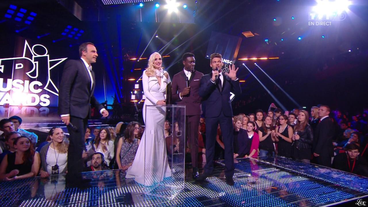 Camille Lou dans NRJ Music Awards. Diffusé à la télévision le 13/12/14.
