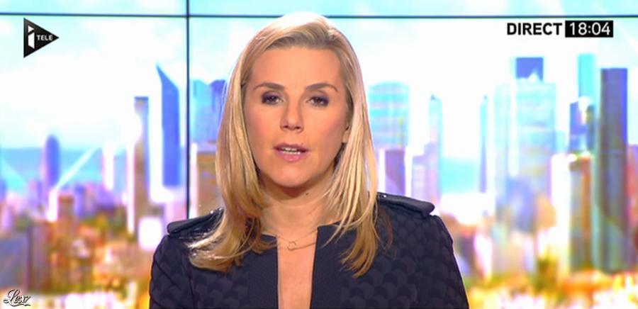 Laurence Ferrari dans Tirs Croisés. Diffusé à la télévision le 04/12/13.