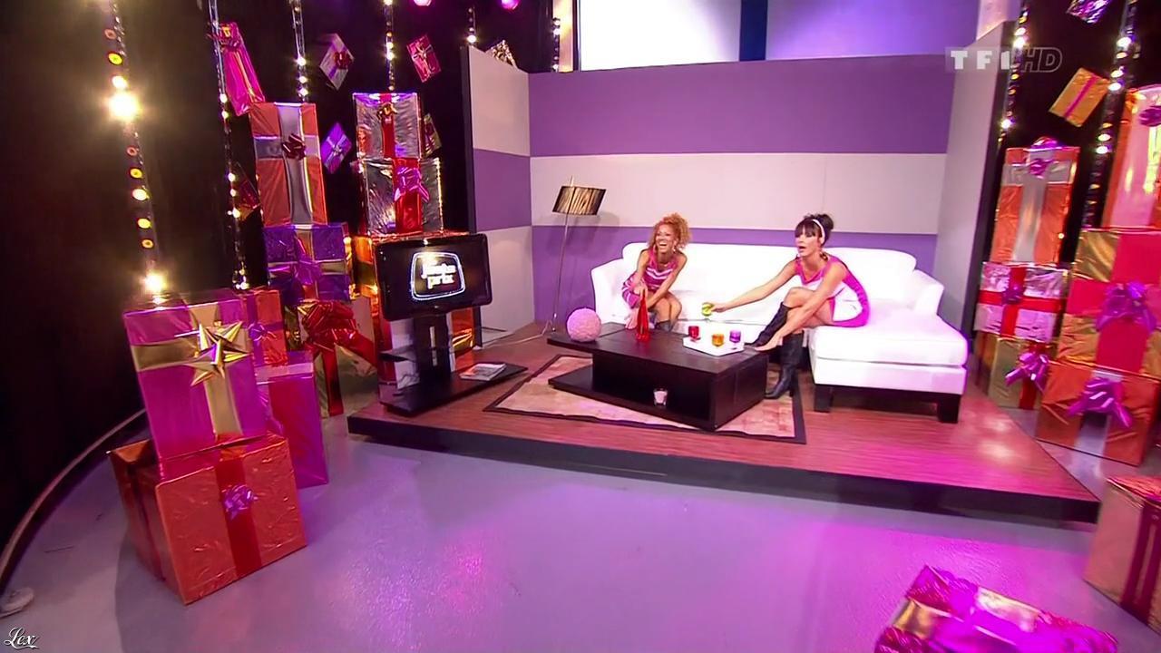 Les Gafettes, Fanny Veyrac et Doris Rouesne dans le Juste Prix. Diffusé à la télévision le 01/03/10.