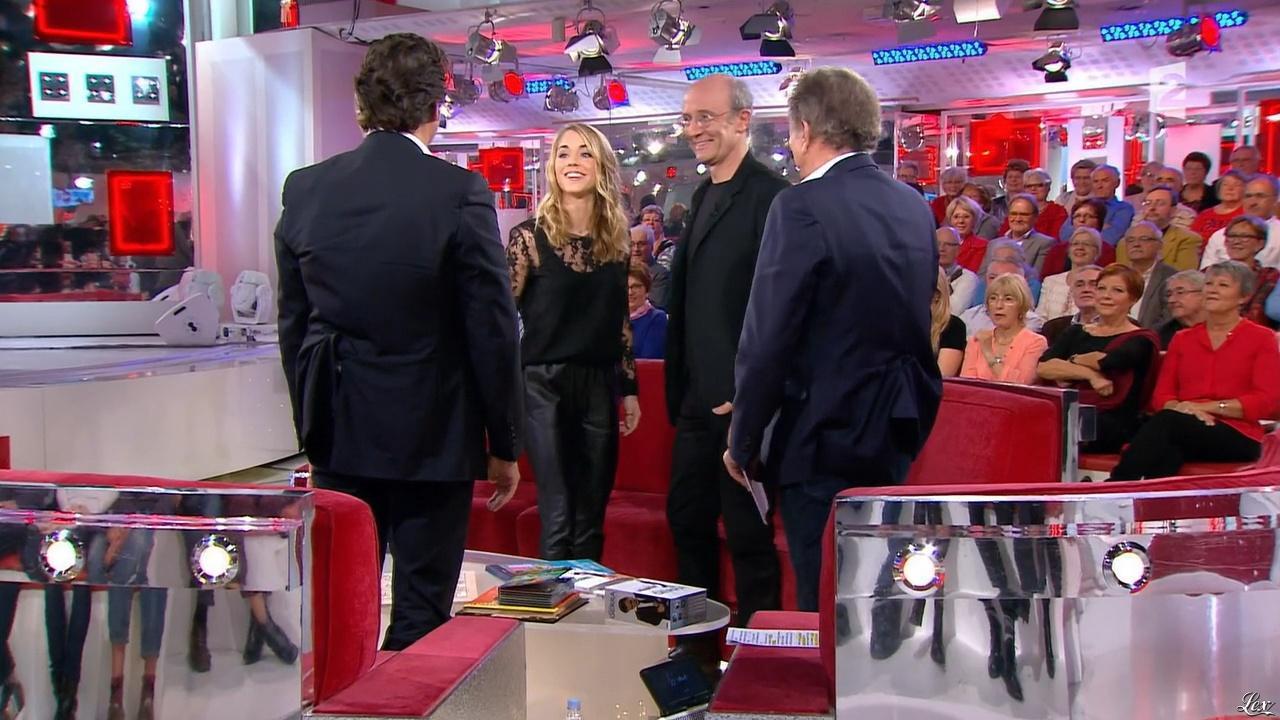 Alice Isaaz dans Vivement Dimanche Prochain. Diffusé à la télévision le 25/10/15.