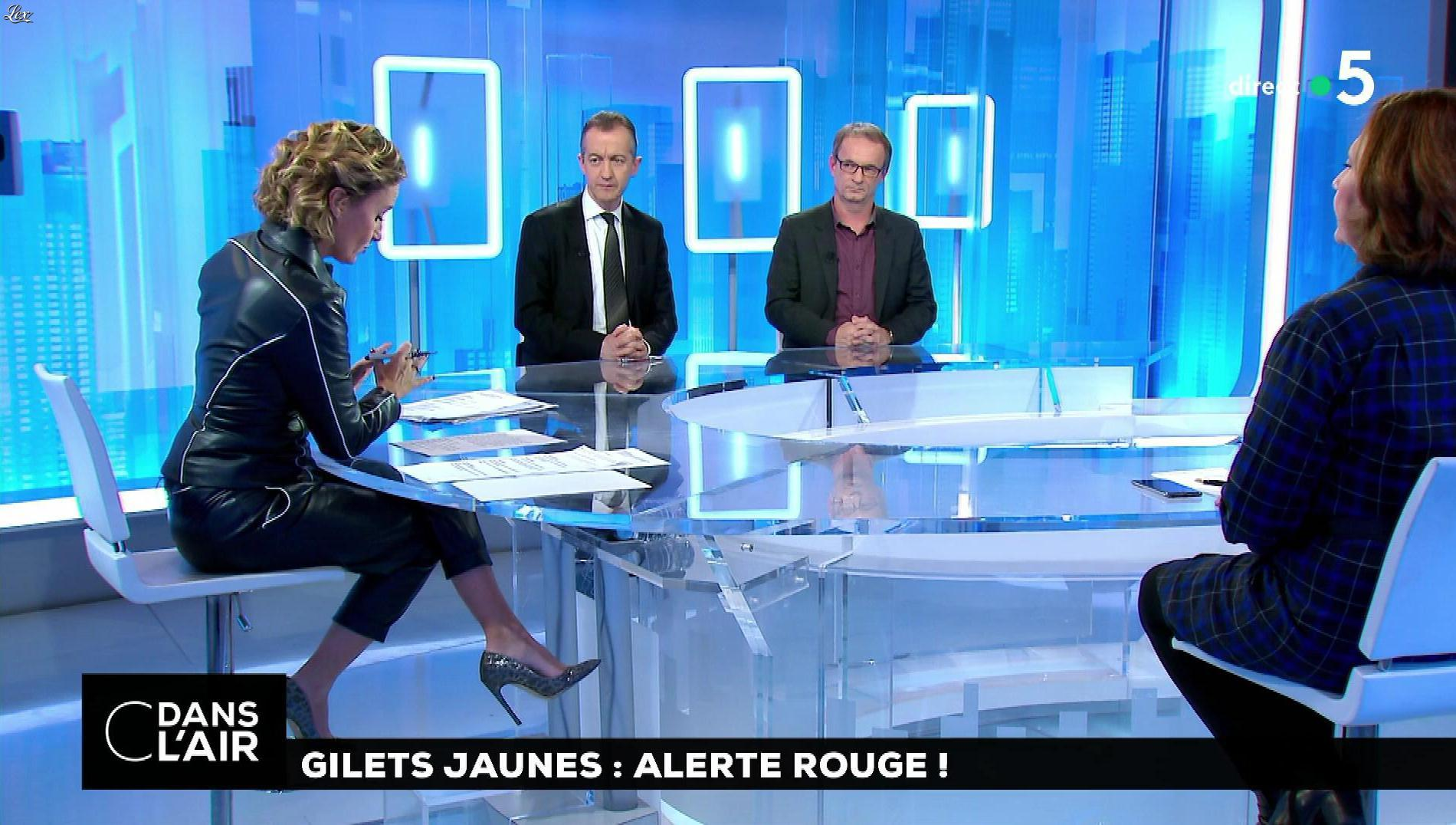 Caroline Roux dans C dans l'Air. Diffusé à la télévision le 13/11/18.