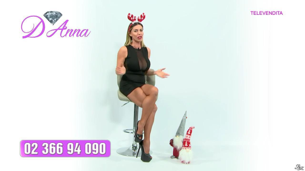 Emanuela Botto dans Télévendita Per d'Anna. Diffusé à la télévision le 08/12/18.