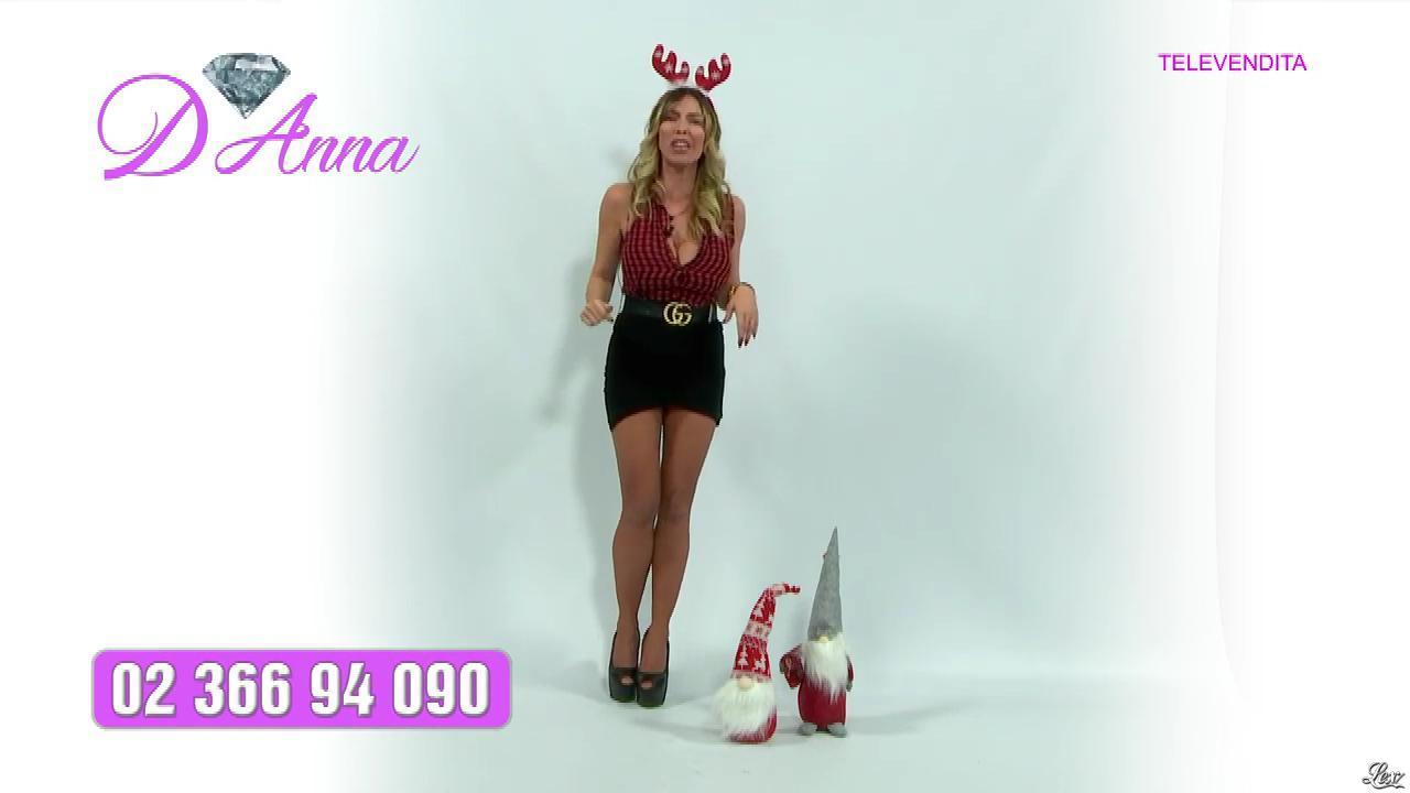 Emanuela Botto dans Télévendita Per d'Anna. Diffusé à la télévision le 09/12/18.