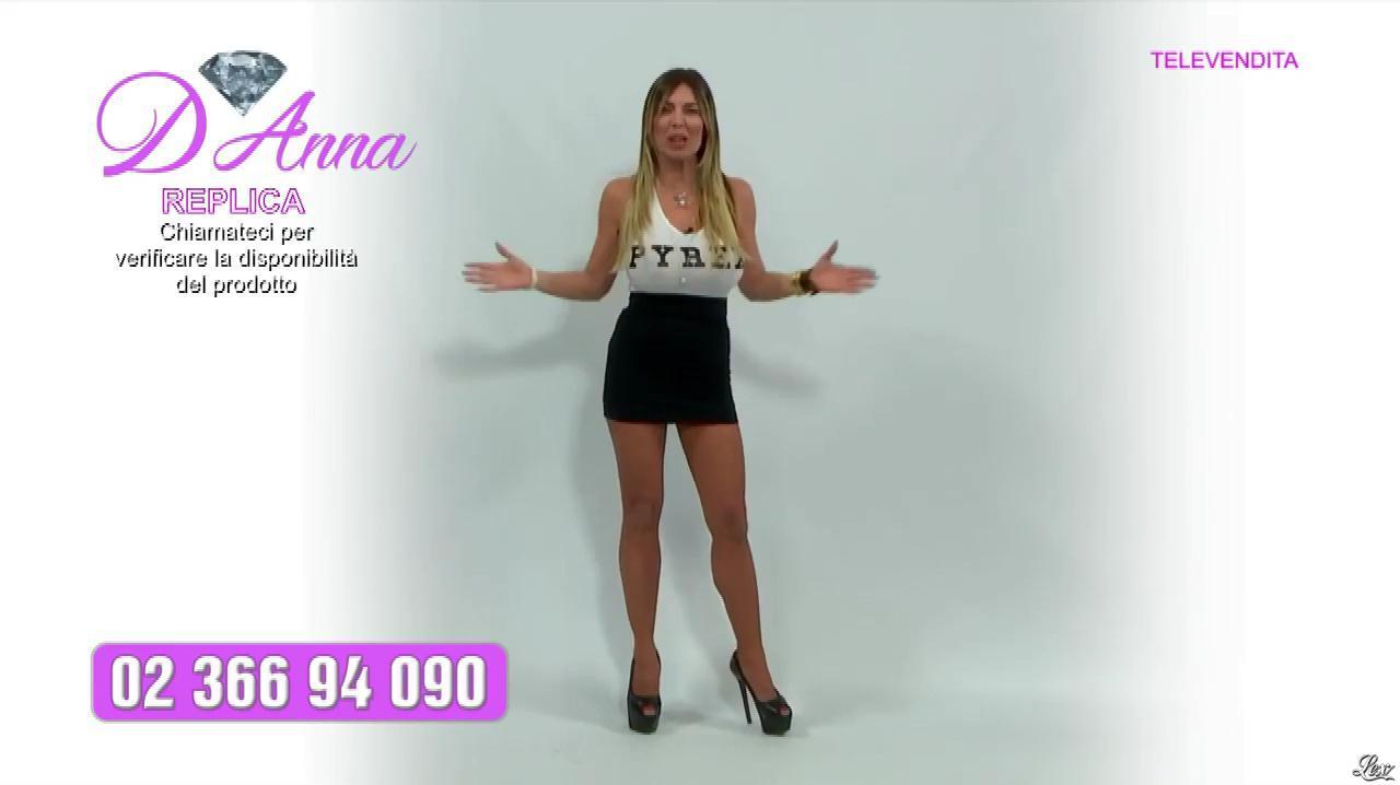 Emanuela Botto dans Télévendita Per d'Anna. Diffusé à la télévision le 10/12/18.