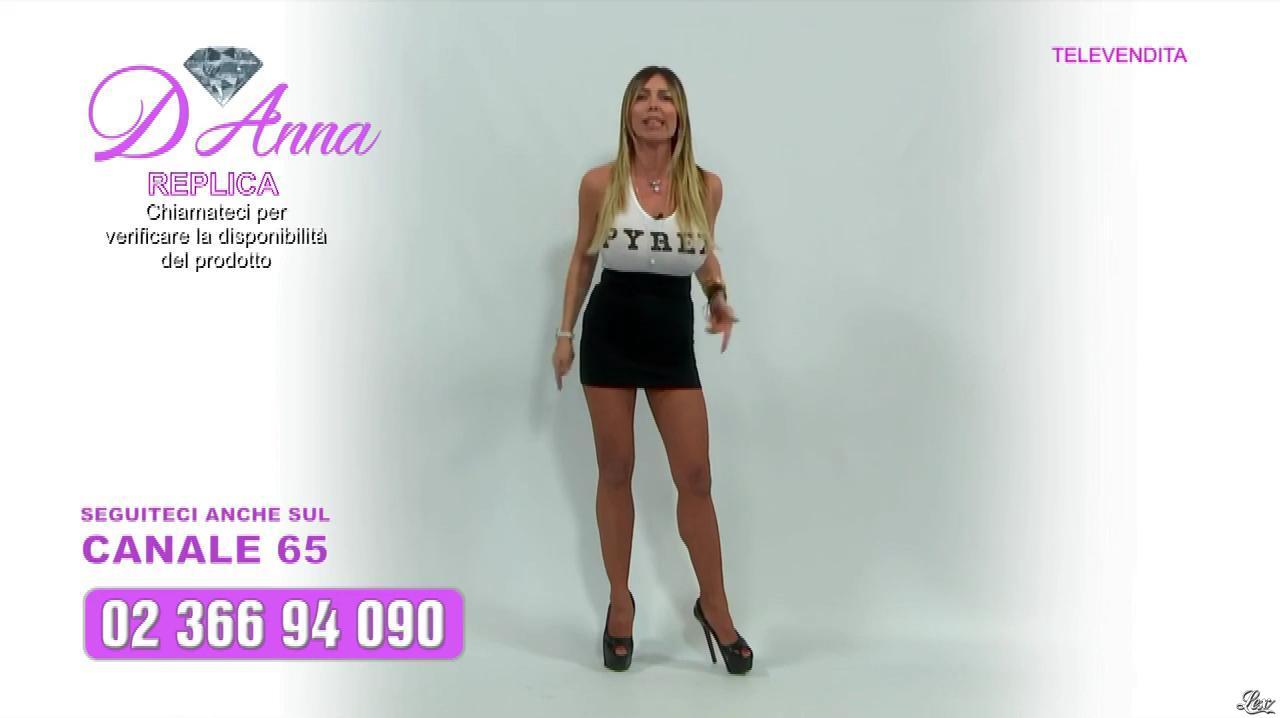 Emanuela Botto dans Télévendita Per d'Anna. Diffusé à la télévision le 11/12/18.