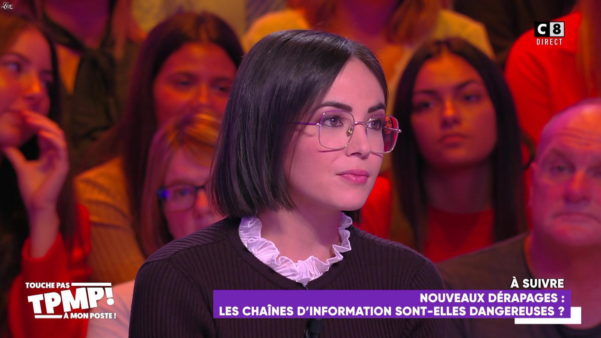 Agathe Auproux dans Touche pas à mon Poste. Diffusé à la télévision le 05/11/19.