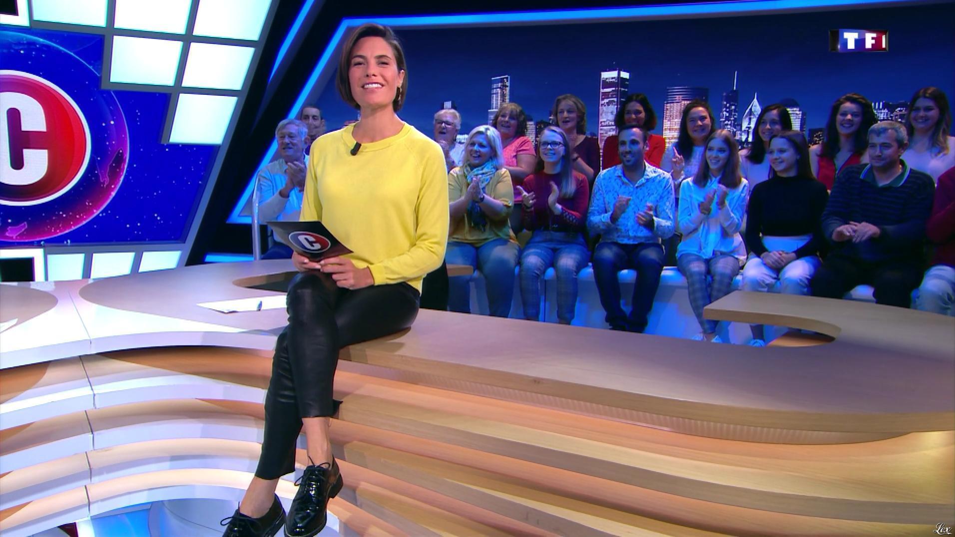 Alessandra Sublet dans c'est Canteloup. Diffusé à la télévision le 10/10/19.