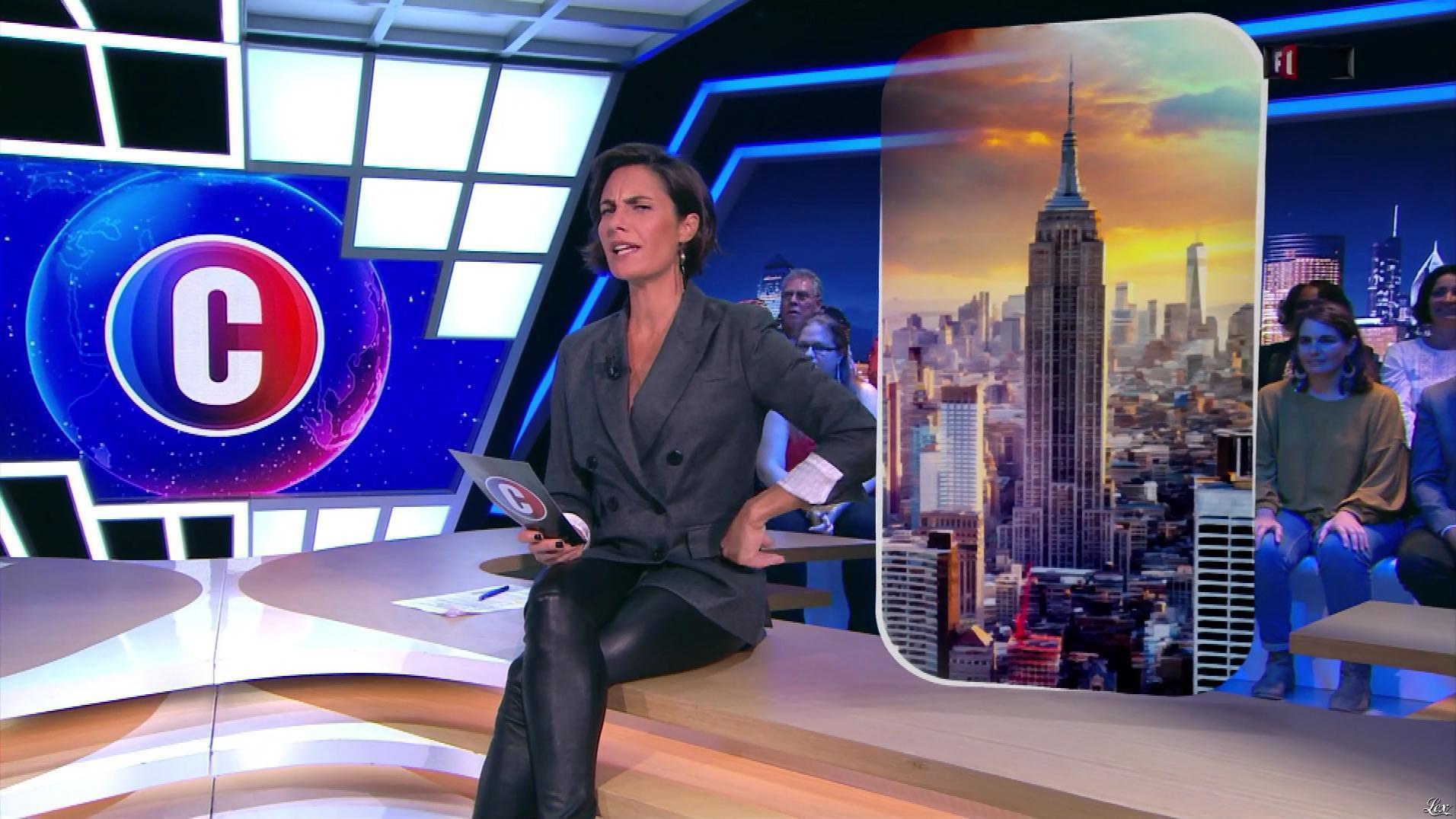 Alessandra Sublet dans c'est Canteloup. Diffusé à la télévision le 25/09/19.