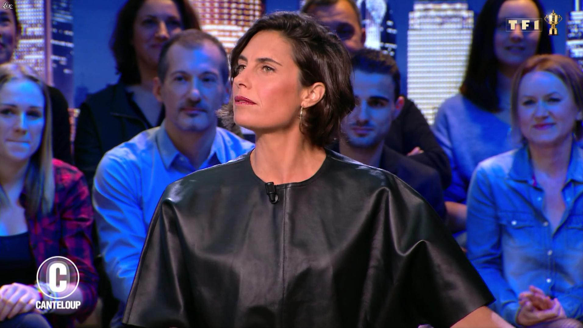 Alessandra Sublet dans c'est Canteloup. Diffusé à la télévision le 28/10/19.
