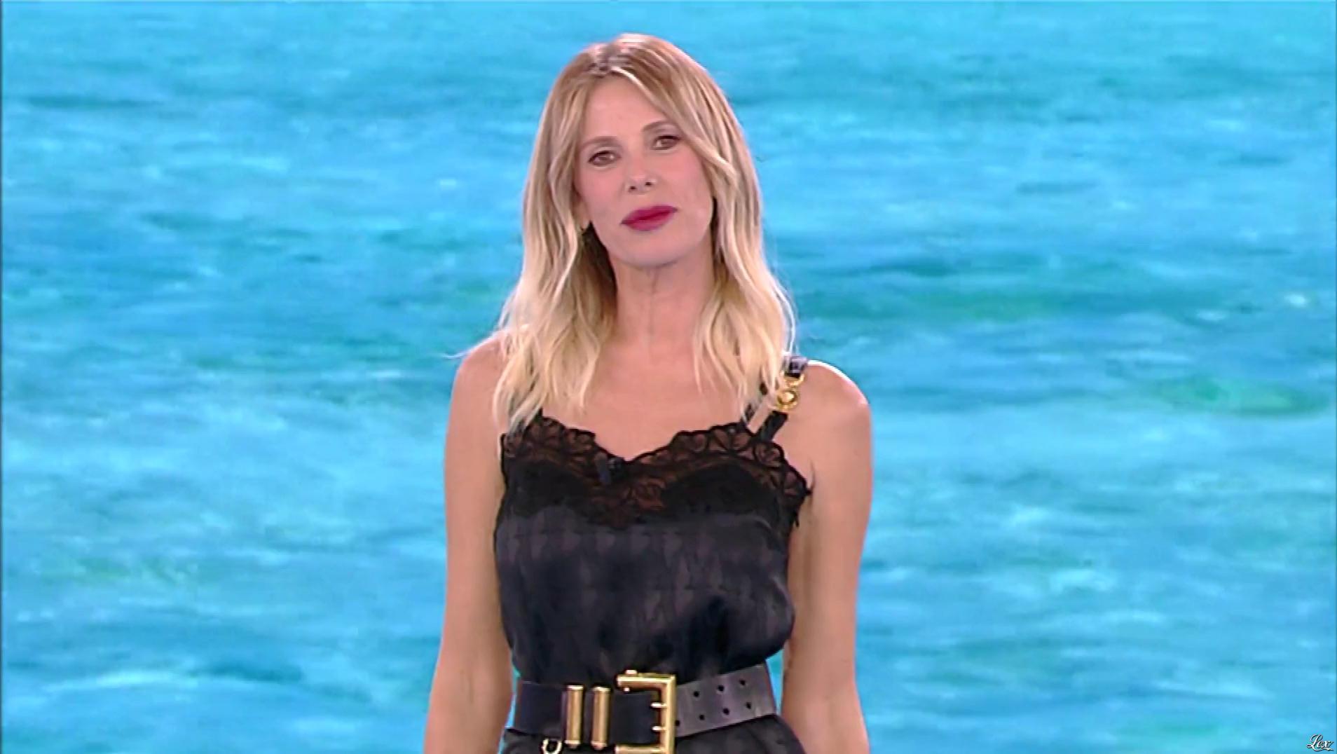 Alessia Marcuzzi dans l'Isola Dei Famosi. Diffusé à la télévision le 11/03/19.