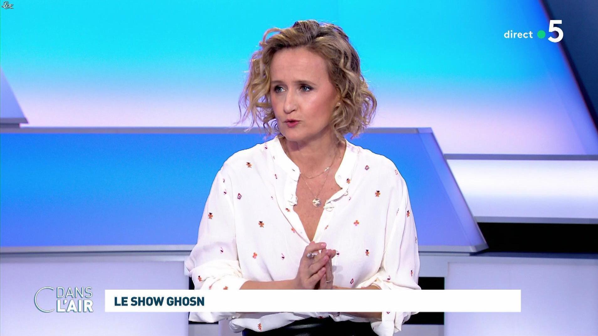 Caroline Roux dans C dans l'Air. Diffusé à la télévision le 08/01/20.