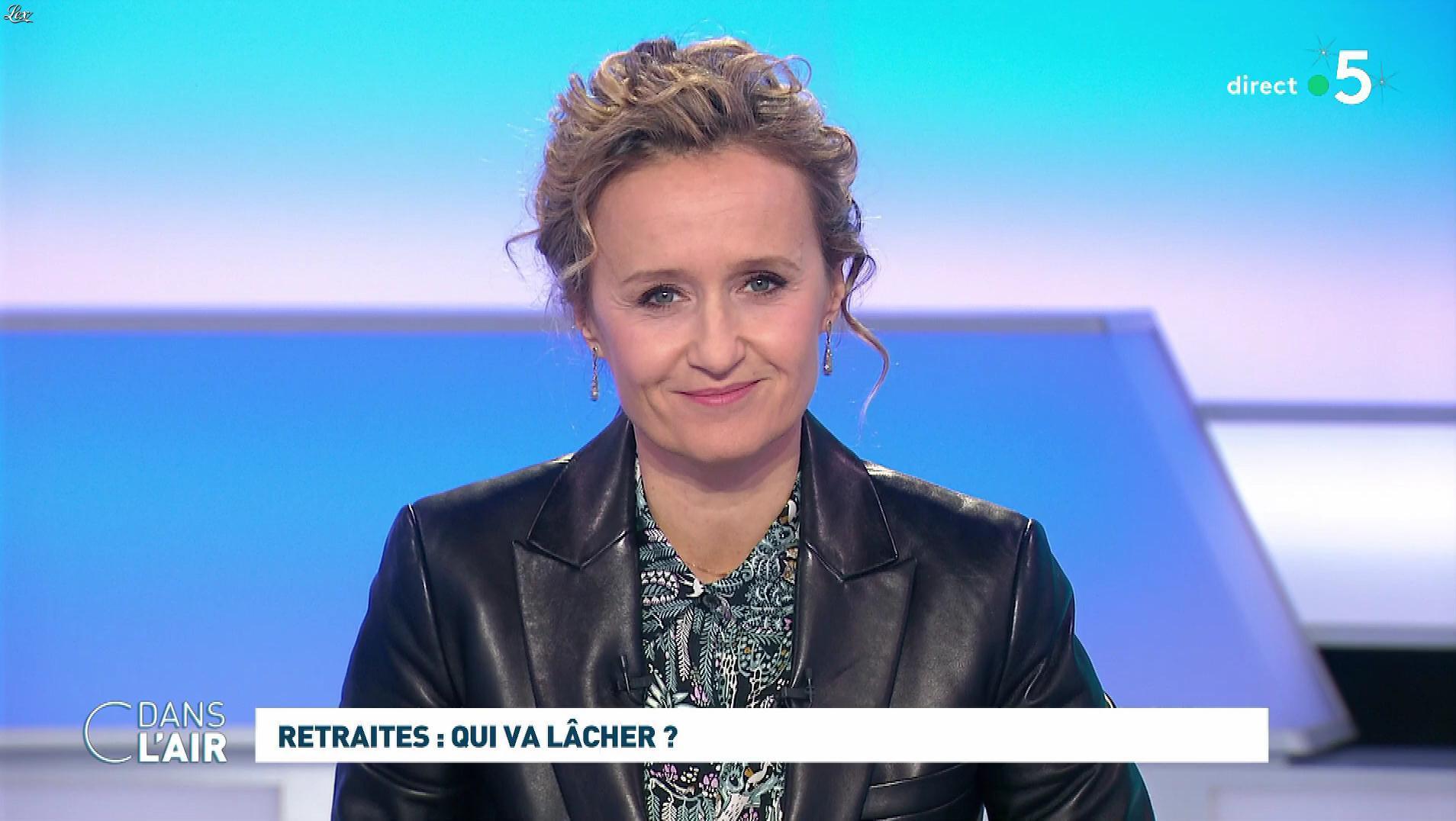 Caroline Roux dans C dans l'Air. Diffusé à la télévision le 09/12/19.
