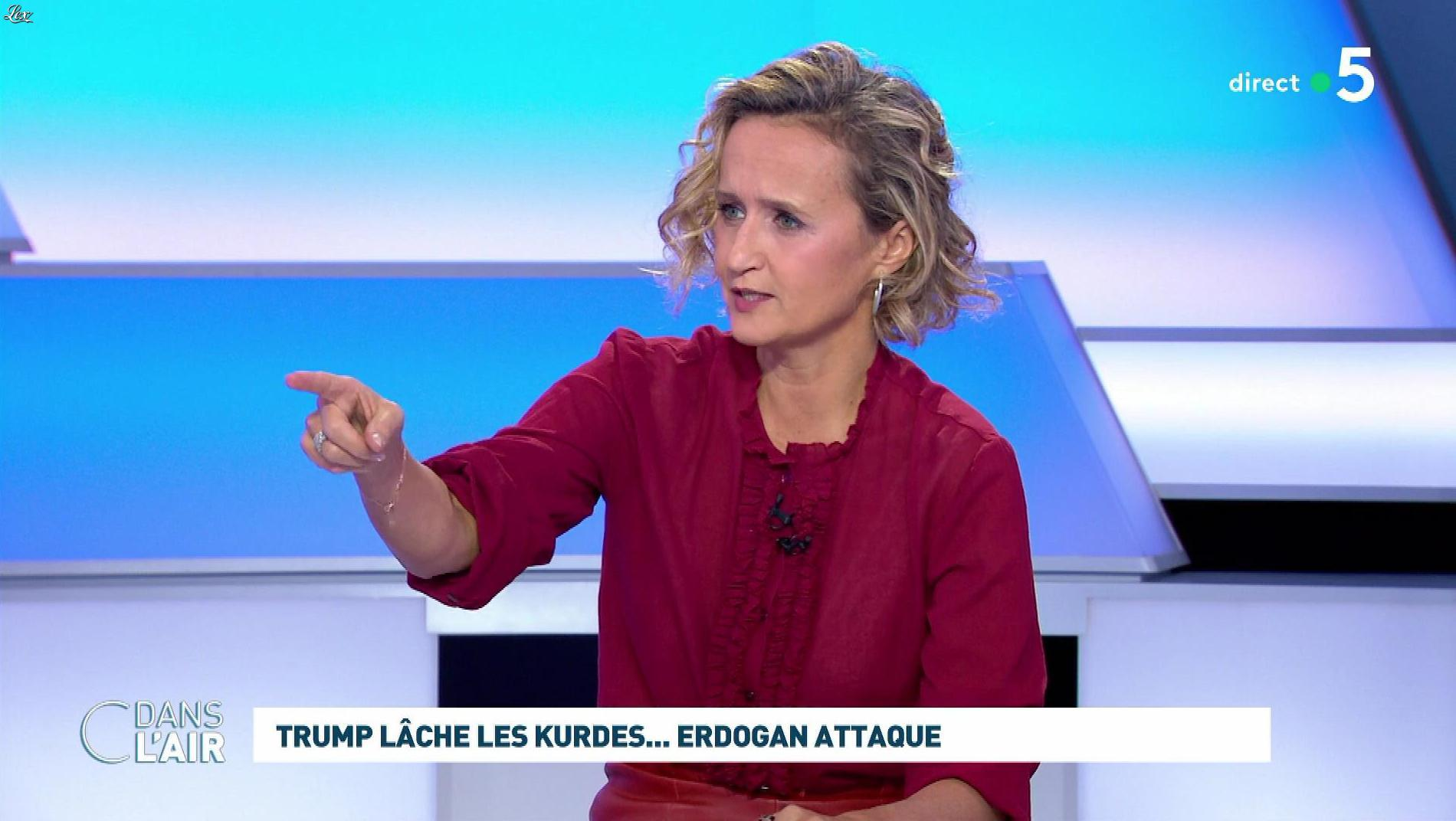 Caroline Roux dans C dans l'Air. Diffusé à la télévision le 10/10/19.