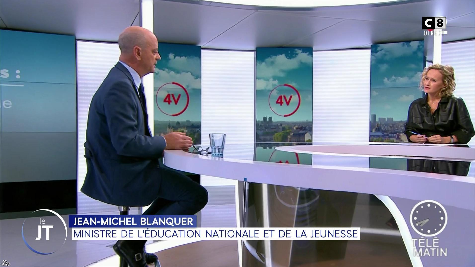 Caroline Roux dans William à Midi. Diffusé à la télévision le 07/11/19.