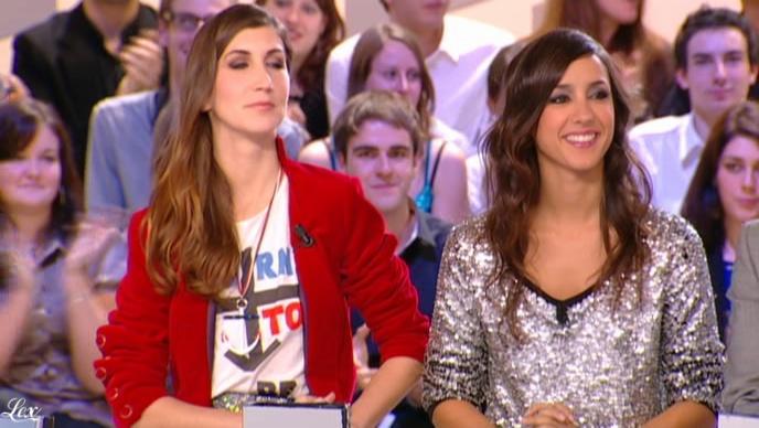 Elise Chassaing dans le Grand Journal De Canal Plus. Diffusé à la télévision le 02/12/09.