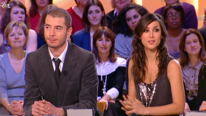 Elise Chassaing dans le Grand Journal De Canal Plus. Diffusé à la télévision le 08/02/10.