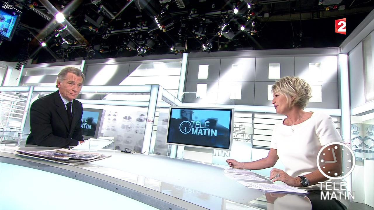 Sophie Davant dans Télématin. Diffusé à la télévision le 27/01/12.