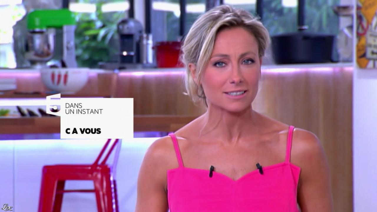 Anne-Sophie Lapix dans C à Vous. Diffusé à la télévision le 27/06/14.