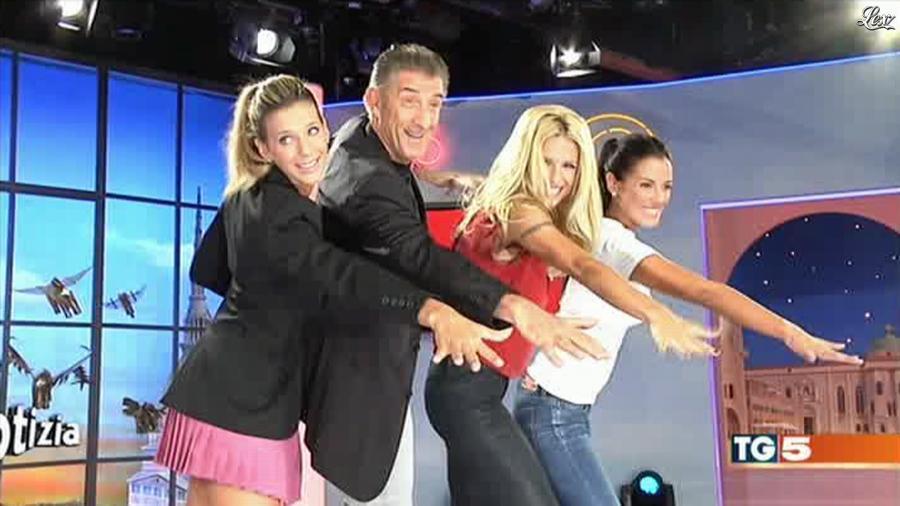 Michelle Hunziker dans Il Tg 5. Diffusé à la télévision le 24/09/12.