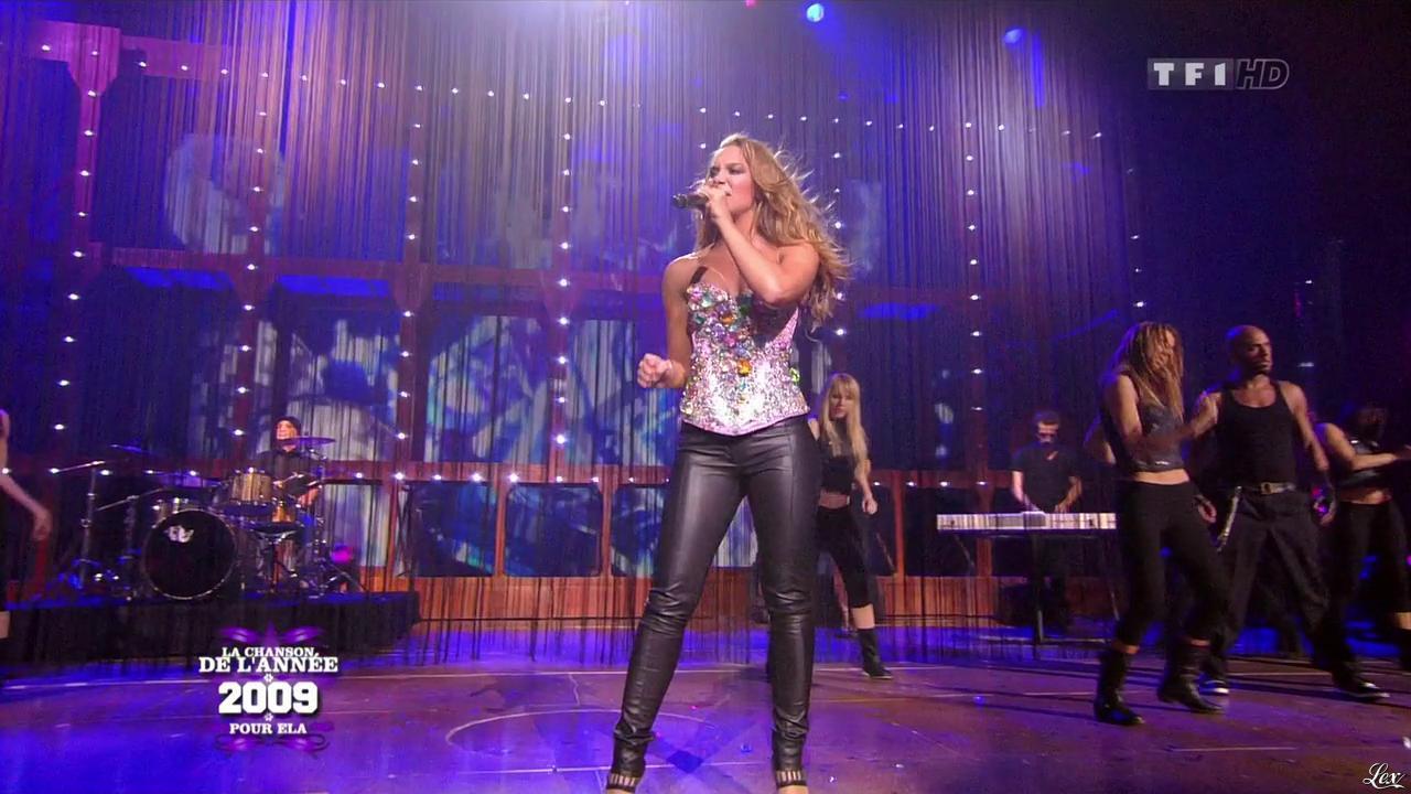 Agnes dans la Chanson de l'Annee. Diffusé à la télévision le 30/12/09.