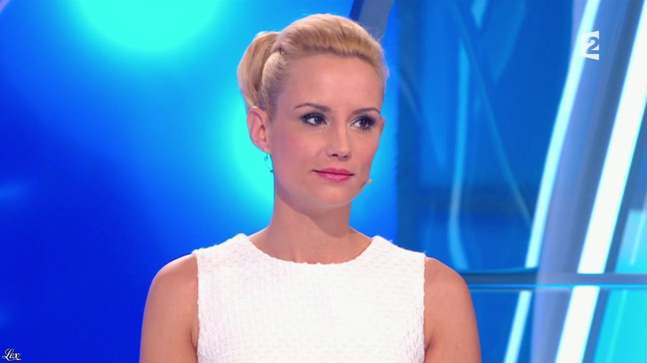 Elodie Gossuin dans Pyramide. Diffusé à la télévision le 23/05/15.
